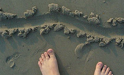 toes-in-the-sand1